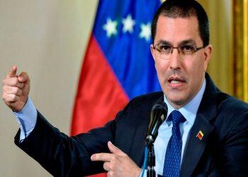 Canciller Arreaza denuncia que Mike Pompeo amenaza a Venezuela durante gira de campaña por Brasil