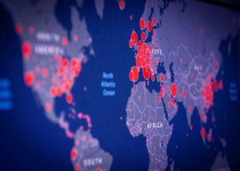 Pandemia ha dejado 957.000 decesos y 30,8 millones de infectados hasta este domingo