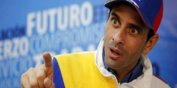 Capriles pide a empresarios hacer lobby en Washington para suavizar las sanciones