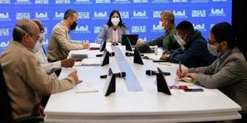 Consejo de ministros evalúa aplicación de método de flexibilización en sectores económicos