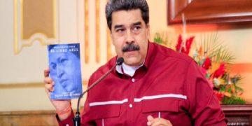 Pdte. Maduro invita a descargar y debatir el Libro Azul manuscrito del Comandante Hugo Chávez