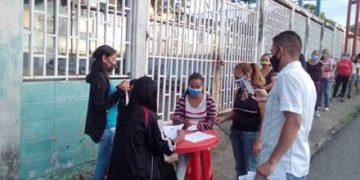 Pueblo venezolano participa en simulacro electoral de este domingo