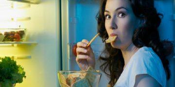 ¿Por qué comer a deshora puede hacerte aumentar de peso?
