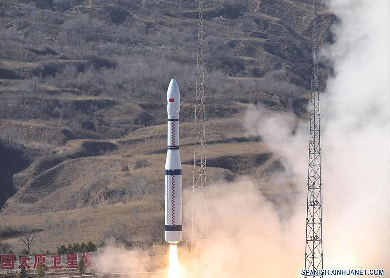 Este viernes China envió 13 satélites a órbita con un solo cohete