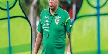 César Farías suena para dirigir al Botafogo de Brasil