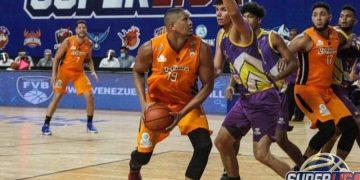 Cangrejeros y Centauros airosos en tercera jornada de Superliga de Baloncesto