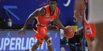 Cangrejeros logró su tercera victoria consecutiva en la Superliga de baloncesto