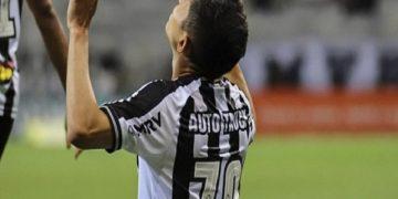 Savarino marcó su sexto gol de la temporada en el triunfo del Atlético Mineiro 2-1 sobre el Botafogo