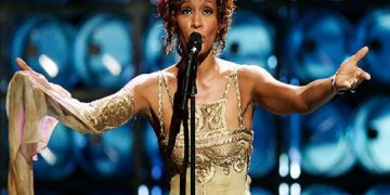 Whitney Houston alcanzó su tercer disco de diamante