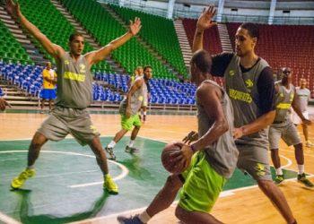 Guaiqueríes y Gigantes se mantienen invictos en Superliga de Baloncesto